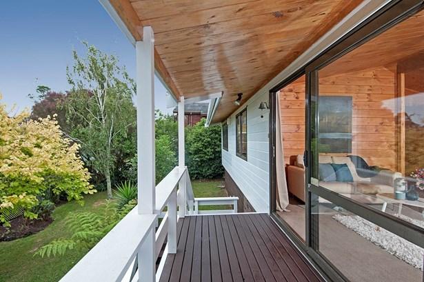 28 White Heron Drive, Royal Heights, Auckland - NZL (photo 2)