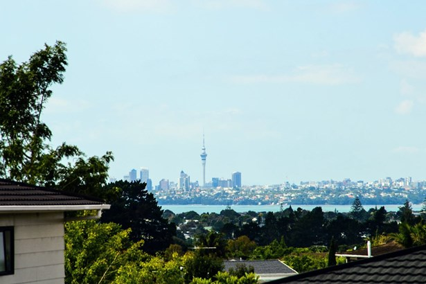 28 White Heron Drive, Royal Heights, Auckland - NZL (photo 5)