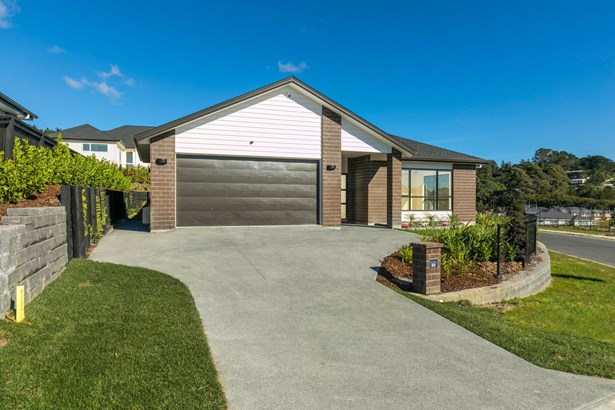 23 Eastview Crescent, Stanmore Bay, Auckland - NZL (photo 3)