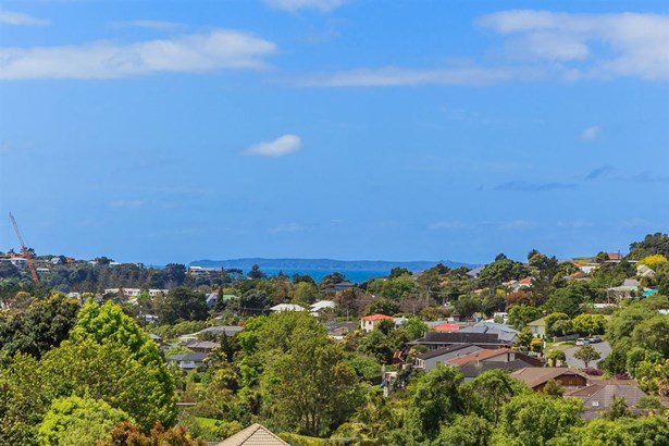 105 Bayside Drive, Browns Bay, Auckland - NZL (photo 3)