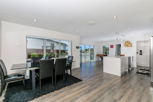 105 Bayside Drive, Browns Bay, Auckland - NZL (photo 5)