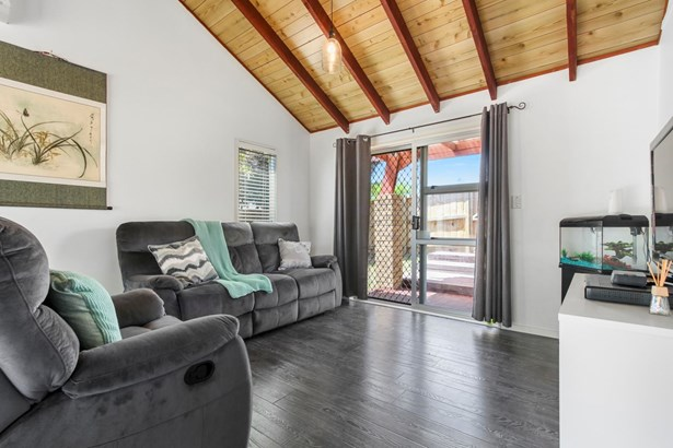 55a Granville Drive, Royal Heights, Auckland - NZL (photo 2)