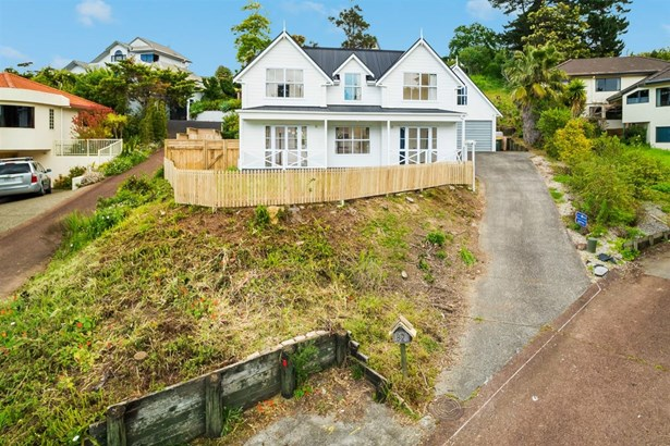 82 Crestview Place, Browns Bay, Auckland - NZL (photo 3)