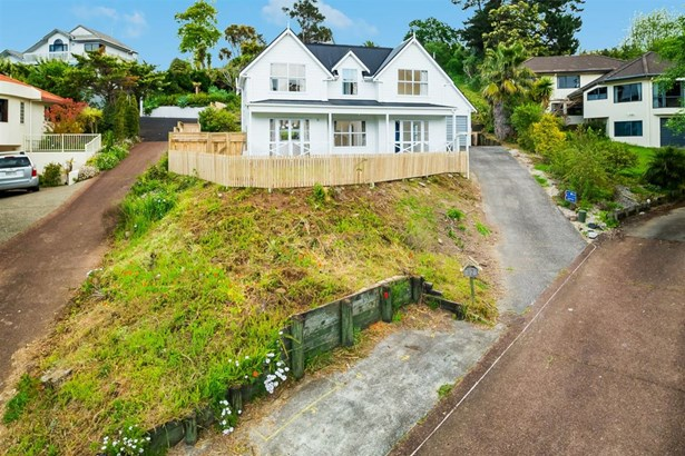 82 Crestview Place, Browns Bay, Auckland - NZL (photo 4)
