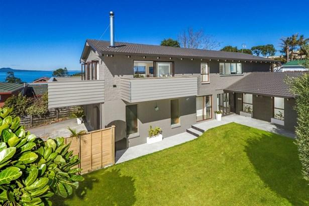 8 Tipau Street, Torbay, Auckland - NZL (photo 1)