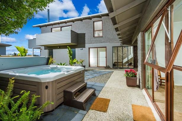 8 Tipau Street, Torbay, Auckland - NZL (photo 4)