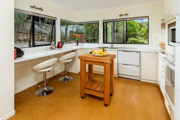 20b Reynolds Place, Torbay, Auckland - NZL (photo 3)