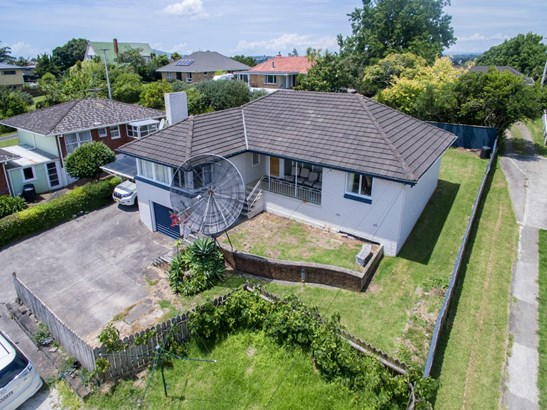 1/49 College Road, Northcote, Auckland - NZL (photo 2)