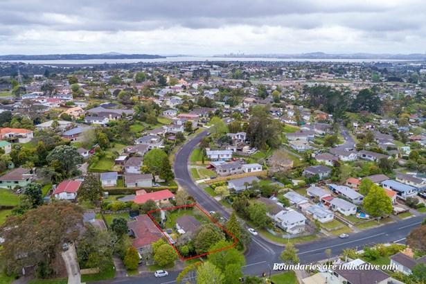 2 Glenbervie Crescent, Massey, Auckland - NZL (photo 3)