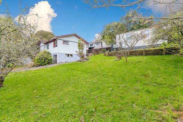 2 Glenbervie Crescent, Massey, Auckland - NZL (photo 4)