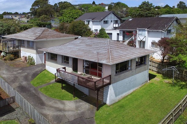 2/22 Bayview Road, Bayview, Auckland - NZL (photo 1)