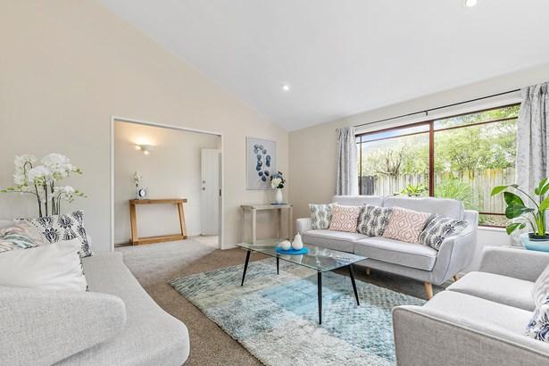 560 Don Buck Road, Westgate, Auckland - NZL (photo 5)
