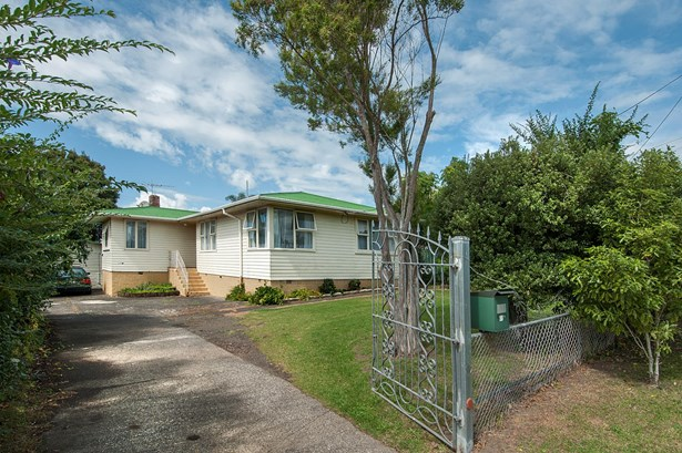 126 Cobham Crescent, Kelston, Auckland - NZL (photo 1)