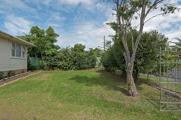 126 Cobham Crescent, Kelston, Auckland - NZL (photo 3)