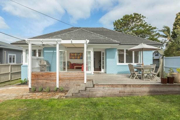 1/40 Eversleigh Road, Belmont, Auckland - NZL (photo 1)