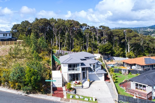17 Hornsey Avenue, Henderson, Auckland - NZL (photo 3)