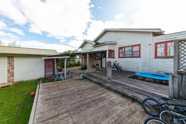 296 Great North Road, Henderson, Auckland - NZL (photo 4)
