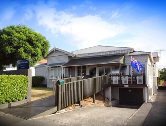 323 Mt Albert Road, Mt Roskill, Auckland - NZL (photo 1)