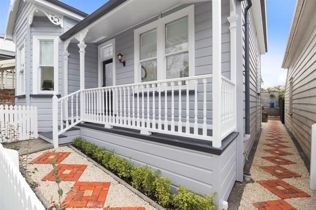 14 Russell Street, Freemans Bay, Auckland - NZL (photo 2)