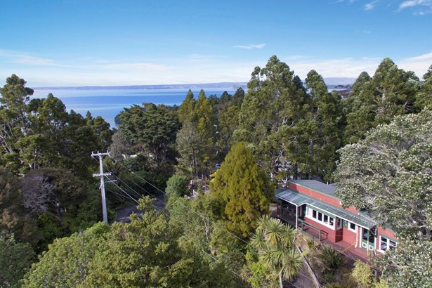 37 Kauri Point Road, Laingholm, Auckland - NZL (photo 2)