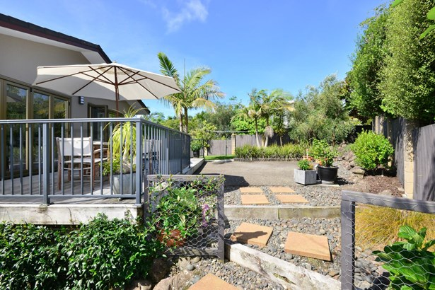 4 Higham Ferrers Place, Red Beach, Auckland - NZL (photo 5)