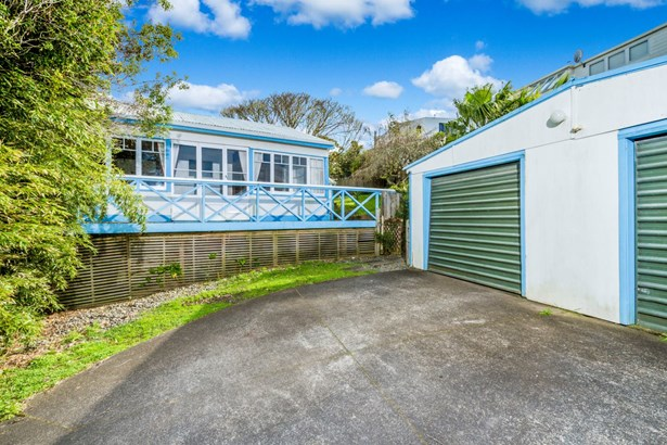 523b Beach Road, Murrays Bay, Auckland - NZL (photo 2)