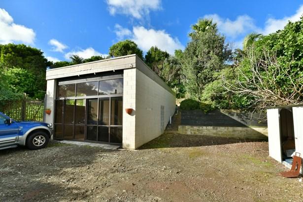 2/68 Marellen Drive, Red Beach, Auckland - NZL (photo 2)