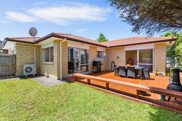78 San Marino Dr West, Henderson Heights, Auckland - NZL (photo 2)