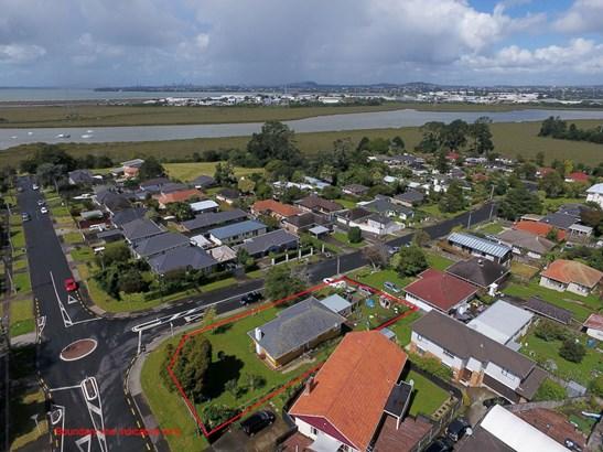 1 Ayrton Street, Te Atatu South, Auckland - NZL (photo 1)