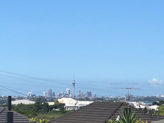 1 Ayrton Street, Te Atatu South, Auckland - NZL (photo 3)