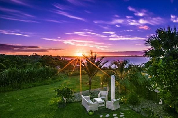 6 Siesta Terrace, Army Bay, Auckland - NZL (photo 2)