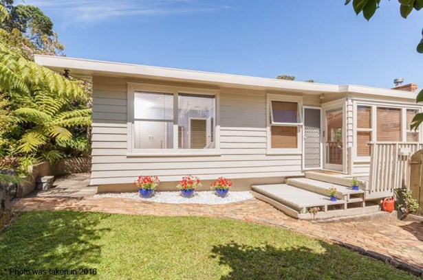 14 James Tyler Crescent, Lynfield, Auckland - NZL (photo 3)