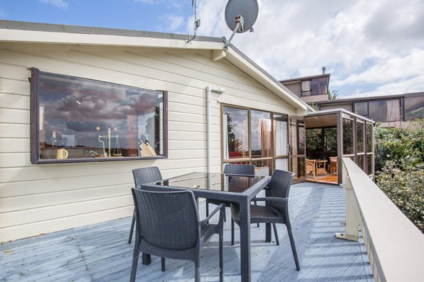 18 John Dee Crescent, Red Beach, Auckland - NZL (photo 3)