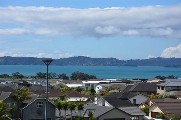 10 Thistle Close, Beachlands, Auckland - NZL (photo 5)