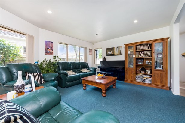 24a Invermay Avenue, Three Kings, Auckland - NZL (photo 2)