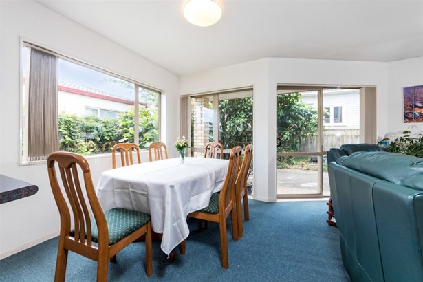 24a Invermay Avenue, Three Kings, Auckland - NZL (photo 3)
