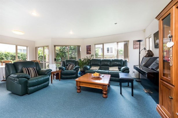 24a Invermay Avenue, Three Kings, Auckland - NZL (photo 4)