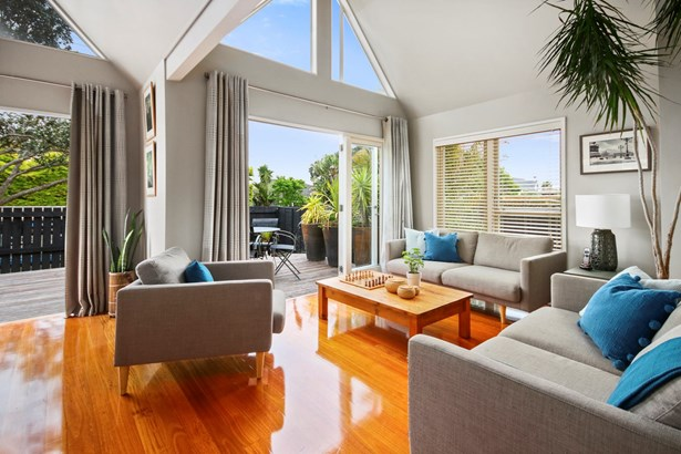 2/68 Norwood Road, Bayswater, Auckland - NZL (photo 3)