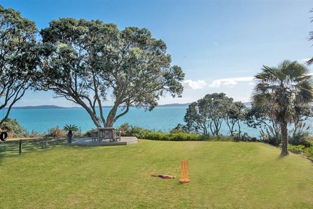 9 Pohutukawa Road, Beachlands, Auckland - NZL (photo 2)