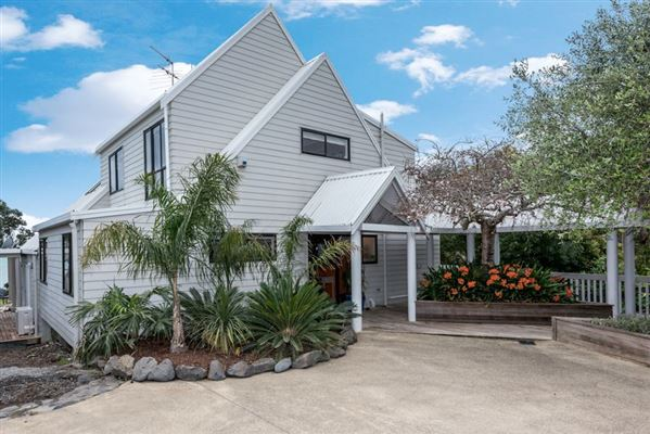 9 Pohutukawa Road, Beachlands, Auckland - NZL (photo 5)