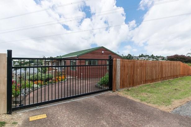 59 Garton Drive, Massey, Auckland - NZL (photo 2)