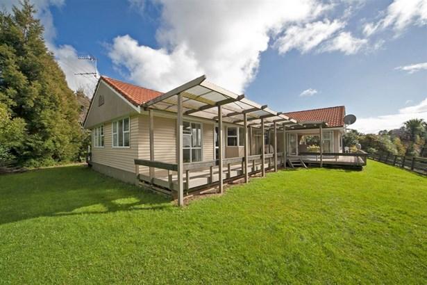 164 Candia Road, Henderson, Auckland - NZL (photo 2)