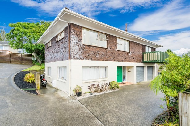 1/98a Birkdale Road, Birkdale, Auckland - NZL (photo 2)