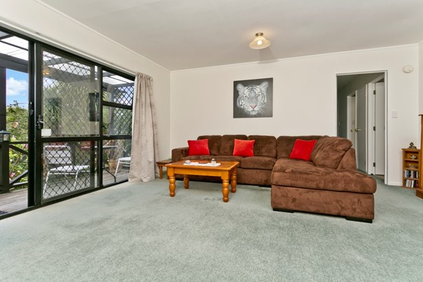 2/9 Eskdale Road, Birkdale, Auckland - NZL (photo 5)