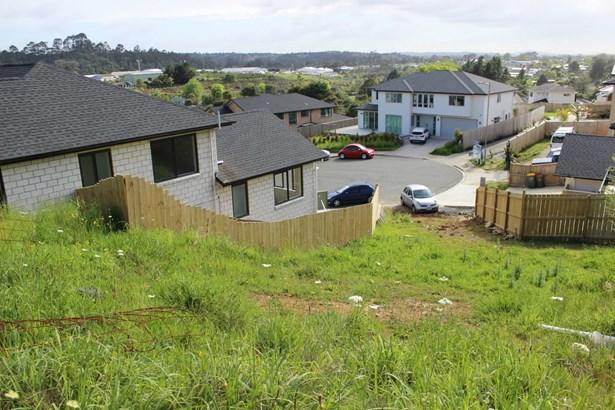 12 Blewitt Court, Swanson, Auckland - NZL (photo 3)