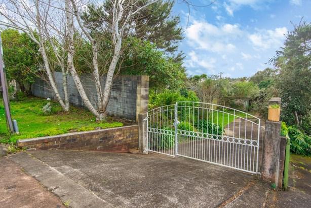 132 Terry Street, Blockhouse Bay, Auckland - NZL (photo 3)