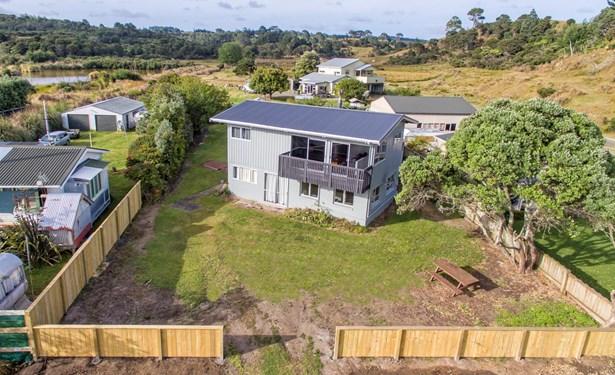319 Big Bay Road, Awhitu Peninsula, Auckland - NZL (photo 2)