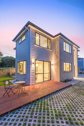 84a Sturges Road, Henderson, Auckland - NZL (photo 4)