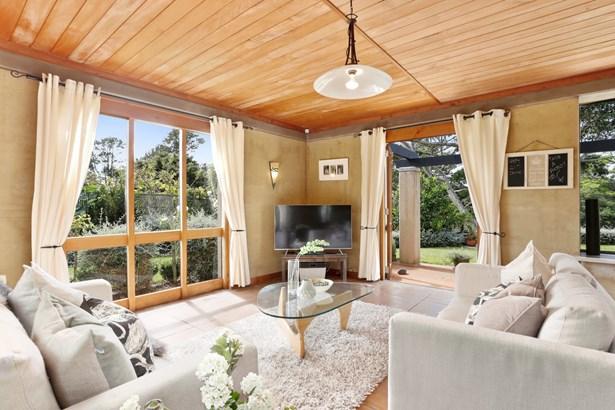 15 Cloverfields Drive, Waimauku, Auckland - NZL (photo 2)