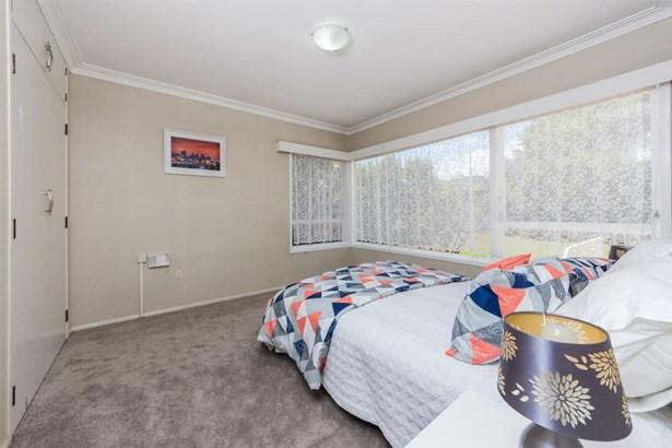 4 Wells Road, Bucklands Beach, Auckland - NZL (photo 5)